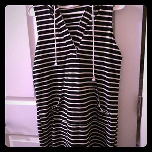 Black and White hoodie dress with front pockets